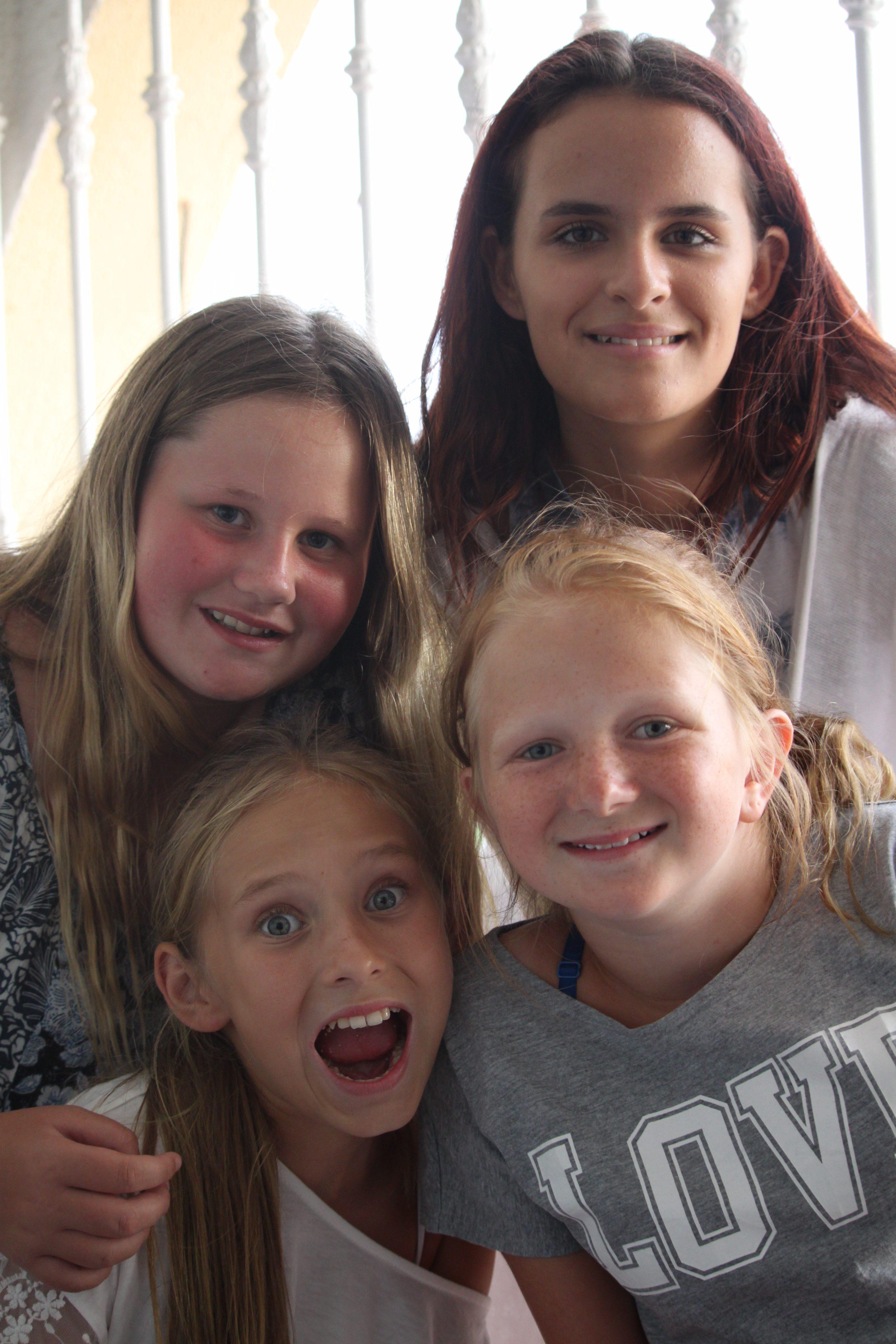 tjejer med stora brost traffa milf Svenska